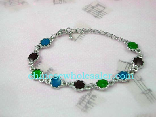 Jewelry supply shop wholesale fashion bracelets. Fashion chain bracelet designs with colored enamel in flower design.