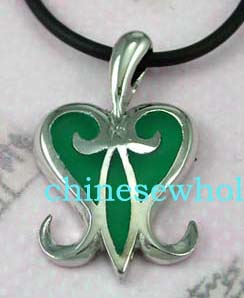 China wholesale impoted jewelry distribution dealer supplies Black cord fashion necklace with green colored heart designed pendant.
